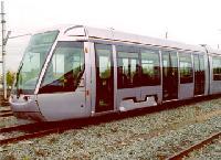 A dublini villamosok első darabja az ALSTOM franciországi gyárában, La Rochelleben. (forrás: http://www.alstom.com)