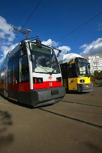 A Wiener Linien az ULF rövidebb kiadásának egyik darabját, az 50-es pályaszámú villamost adta kölcsön a berlinieknek. A fényképet a BVG sajtóosztálya bocsájtotta a veke.hu rendelkezésére. (forrás: BVG)