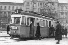 A 3625-ös kocsi a Keleti pályaudvar előtt, még a balirányú közlekedés idején., Baross tér, Budapest (forrás: Németh Zoltán Ádám gyűjteménye)