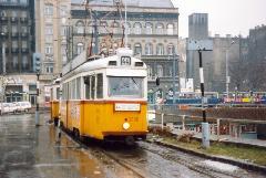 A 3896-3897-es szerelvény áll be a felszállóhelyre a Baross téren., Baross tér, Budapest (forrás: VEKE)