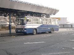 A szinte használhatatlan fekete 93-as mellett mostmár a 200-as is betér majd Ferihegy 1-hez - bár egyelőre csak befelé., Ferihegy 1, Budapest (forrás: Istvánfi Péter)