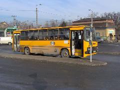 Buszmegálló a Széchenyi téren - itt lesz az ideiglenes végállomásuk a parkvárosi járatoknak, Érd felső vasúti megállóhely, Érd (forrás: Friedl Ferenc)