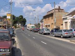 Torlódás a lezárt sorompók miatt, Diósdi út, Érd (forrás: Friedl Ferenc)