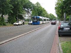 Ilyennek kellene lennie a Thököly útnak. Forgalomcsillapítás, alacsonypadlós villamos, kulturált parkolás, egészséges fák, élhető környezet., Bréma (forrás: Báti András)