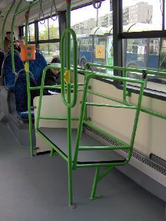 Bőröndtartó a Volvo buszon, Budapest (forrás: Friedl Ferenc)