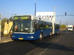 A legújabb, légkondicionált Volvo buszok kerültek a 200-asra., Budapest (forrás: Székely György)