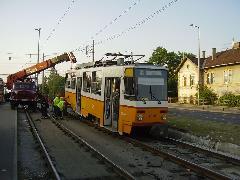 A kisiklást megelőzhették volna. Az erőltetett spórolás mindig visszaüt., Könyves Kálmán körút, Budapest (forrás: Kozalik Attila (villamosvasut.fw.hu))