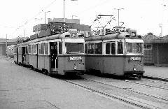 Az észak-déli metróvonal II/B (Nagyvárad tér - Kőbánya-Kispest) szakaszának átadásával megszűnt a villamosforgalom a Határ úttól befelé. Az új végállomás a Határ úti metróállomás lett. (forrás: Nagy Zsolt Levente gyűjteménye)