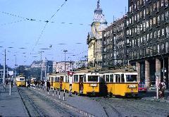 A 42-es és az 52-es a Madách Imre téri végállomásán (forrás: Peter Haseldine)