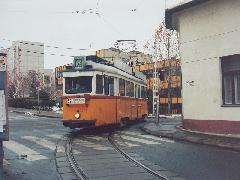 MUV az 52-es vonalán, a Vörösmarty utca és a Nagysándor József utca sarkán (forrás: Szelényi Gábor)