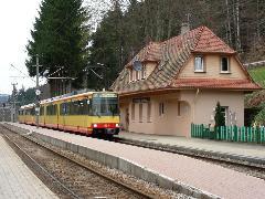 Az Albtalbahn vonata Frauenalb állomáson, Bahnhof, Frauenalb (forrás: Martin Lauer)