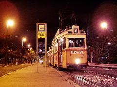 Az utolsó menetrend szerinti járat UV-kocsikkal, a Szent Gellért templom megállóhelyen, Szent Gellért templom, Budapest (forrás: Bagosi Attila)