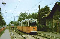 Az 1342 psz Ganz csuklós villamos az Új köztemetőnél, Új köztemető, Budapest (forrás: Pólai Balázs)
