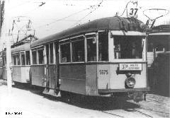 Távkapcsolású motorkocsiból és vezérlő pótkocsiból álló szerelvény Baross kocsiszínben , Baross kocsiszín, Budapest (forrás: Kelecsényi Gábor gyűjteménye)