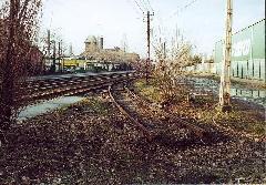 Az Akna utcai volt iparvágány-kiágazás és a régi 37A-végállomás: ezt a kitérőt forgalmi akadályok esetén ma is használják visszafogásra, Akna utca, Budapest (forrás: Szelényi Gábor)