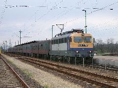 Zónázó vonat Rákoshegy állomáson. Eddig csak hétköznap, az új menetrendben viszont már hétvégén is közlekednek gyorsított személyvonatok Budapest és Szolnok között a 120a vonalon, Rákoshegy, Budapest (forrás: Halász Péter)