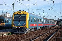 Rövid személyvonat Hatvanban. Lehet, hogy megfelelő kínálatnál kisebb vonathossz is elegendő?, Hatvan (forrás: Halász Péter)