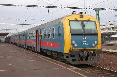 Elővárosi vonat Szolnokon - a zónázó vonatok a fővárosba reggelente 20 percenként indulnak, Szolnok (forrás: Halász Péter)