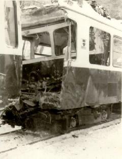 A Fogaskerekű történetének legsúlyosabb balesete történt 1987 januárjában., Esze Tamás Iskola, Budapest (forrás: BKV)