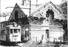 Az 1059-es pályaszámú kocsi a régi végállomás mellett, Zugliget, Budapest (forrás: VEKE)