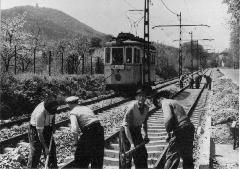 Pályafelújítás a 60-as években, a villamos Zugligeti úti szakaszán, Zugligeti út, Budapest (forrás: VEKE)