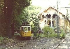 Az 1045-ös kocsi a régi végállomás mellett, Zugliget, Budapest (forrás: VEKE)