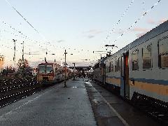 Közös peronos átszállás Hatvanban. A csatlakozásokkal kapcsolatos kezdeti problémák megoldódni látszanak., Hatvan (forrás: Kovalcsik Tamás)