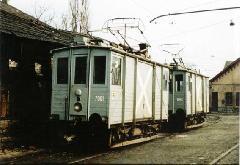A 7054 és 7061 psz. motoros fedett teherkocsik a Horog utcai telepen, Budapest (forrás: Lakos Rudolf)