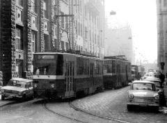 A Tátra T5C5 a Kádár utcai hurokban a 80-as évek elején. (forrás: Németh Zoltán Ádám gyűjteménye)
