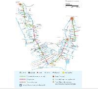 Nizza 1-es számú villamosvonalának tervezett nyomvonala. A zöld pötyökkel jelzett szakaszon a közút mellett, míg a lilával jelzett részeken gyalogosövezetben fog haladni a villamos. Az U-alakú vonal alsó részét keresztező vékony világosbarna vonal a 2-es villamos előhírnökeként közlekedő buszjárat útvonalát jelzi. (forrás: http://www.tramway-nice.org/)