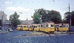 A 12-es villamos kanyarodik ki a Lehel utcából a Váci útra. (forrás: Tim Boric)