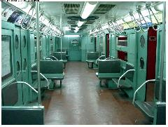Az R11-es metrókocsi utastere. (forrás: David Pirmann, nycsubway.org)