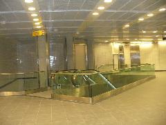 Az új Compans Caffarelli metrómegálló utascsarnoka a B vonalon, Toulouse (forrás: Friedl Ferenc)