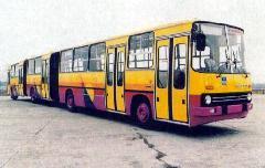 Az egyetlen magyar duplacsuklós busz átépítés után az Ikarusban. (forrás: ikarusdata.fw.hu)
