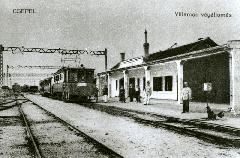 A Közvágóhíd-Pesterzsébet-Csepel HÉV felvételi épülete egy korabeli képeslapon. (forrás: Németh Zoltán Ádám gyűjteménye)