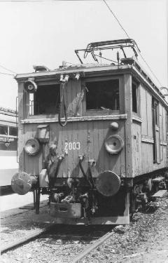 A HÉV L2003 pályaszámú, BBVV eredetű mozdonya a csepeli kocsiszín területén. (forrás: Németh Zoltán Ádám gyűjteménye)