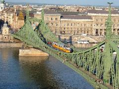 Lezárják a Szabadság hidat – új forgalmi rend a budai villamosoknál