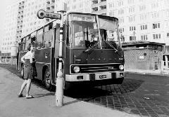 Elsőszériás Ikarus 260-as a 106-os járat Miklós utcai végállomásán. (forrás: VEKE)
