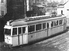 A Stuka becenevű motorkocsi, a háborús évek legkorszerűbb típusa. (forrás: Régi magyar villamosok)