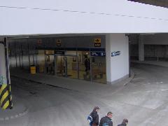 Érd alsó új váróterme és jegypénztára a 2005-ben átadott intermodális csomópontban, Érd, autóbusz-pályaudvar, Érd (forrás: Friedl Ferenc)