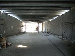 A befedett aluljáróban (építés közben), Diósdi út, Érd (forrás: Friedl Ferenc)