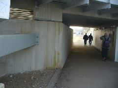 Már rozsdás lé folyik le a vasúti hídról Érd felsőnél, Érd felső, Érd (forrás: Friedl Ferenc)