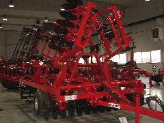A Kühne Zrt eredeti termékei a mezőgazdasági gépek, Kühne Zrt., Mosonmagyaróvár (forrás: VEKE)