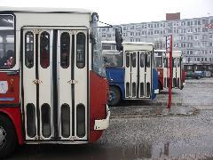 """A """"piros"""" volt a városi, a """"kék"""" az elővárosi széria., Pozsony (forrás: Müller Péter)"""