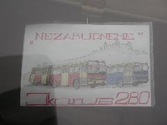 """Egy sofőr """"grafikusan"""" is megemlékezett a búcsúzó járművekről. Nezabudneme=nem felejtünk!, Pozsony (forrás: Müller Péter)"""
