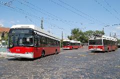 Ganz-Solaris trolibuszok a 70-es viszonylat végállomásán., Budapest (forrás: Kelemen Zsolt)