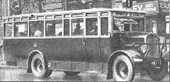 A SZAÜ egyik Rába gyártmányú autóbusza a 20-as évek vége felé az 1-es vonalon. (forrás: Városi Közlekedés)