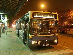 Az S-Bahn menetrendhez hangolt autóbuszjáratok színvonalas tömegközlekedést nyújtanak a külvárosban is., München (forrás: Müller Péter)