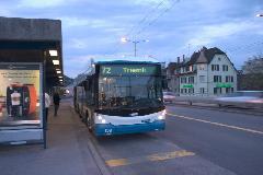 72-es trolibusz a Hardbrückén, Zürich (forrás: Mészáros Gergely)