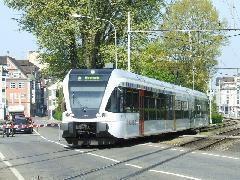A THURBO svájci vasúttársaság GTW motorkocsija Rorschach hafenből Rorschach felé halad.  (forrás: Hajtó Bálint)